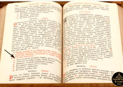L'antico Rituale Esorcismi (1614) nel punto in cui riporta il Motto di Sant'Antonio - MANENTE Rosari (Roma)