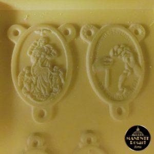 Crociera a Maria che scioglie i nodi (resina)