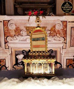 Sacro Manto di San Giuseppe (Basilica Santa Anastasia RM)